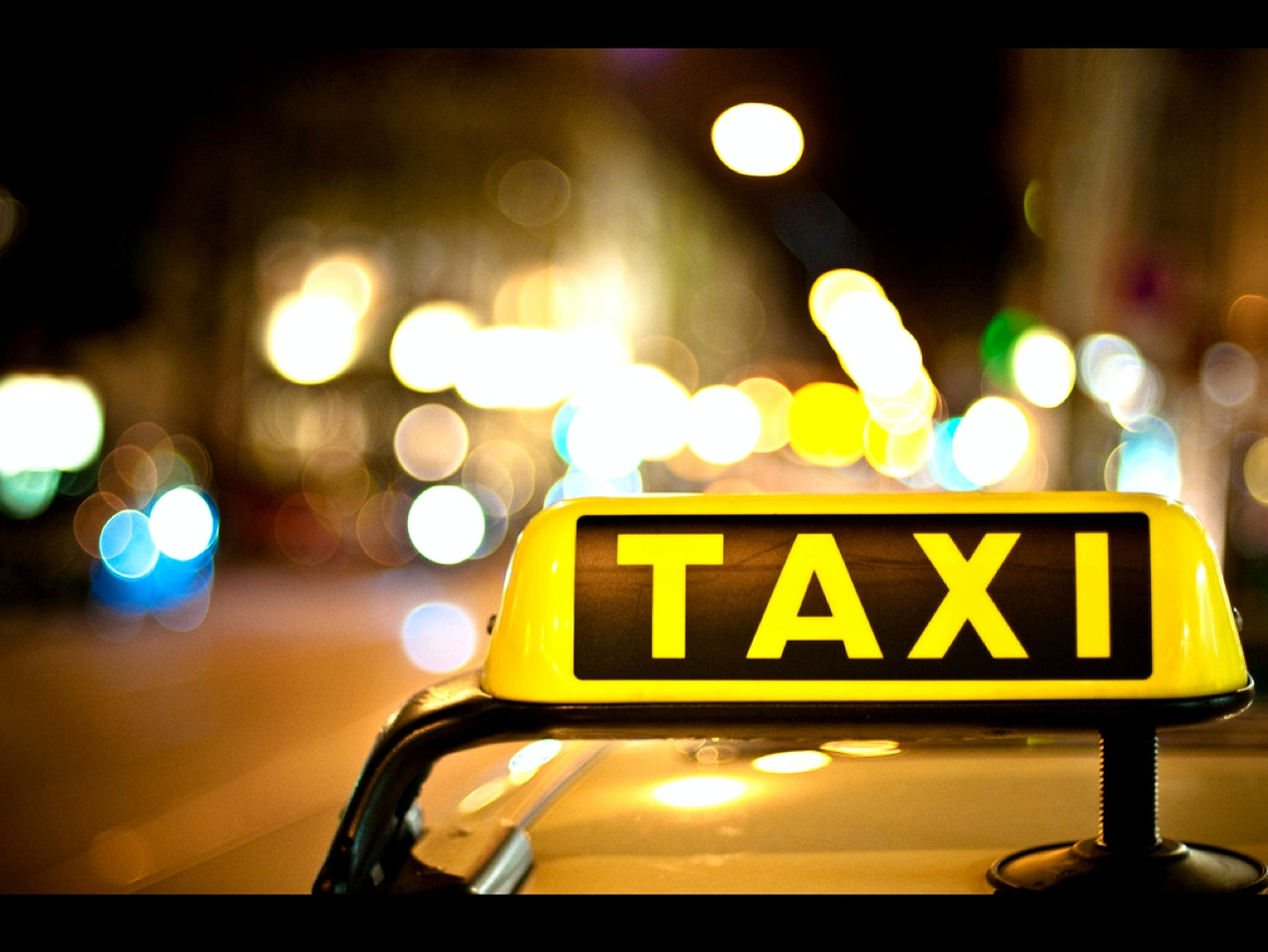 Transport : Buses & Taxis