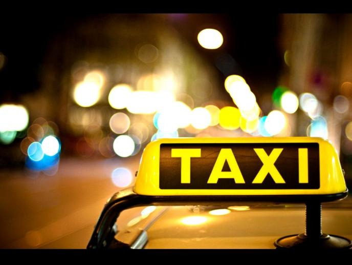 Taxi & Minibus Transfers Heraklion & Chania Airport - Port