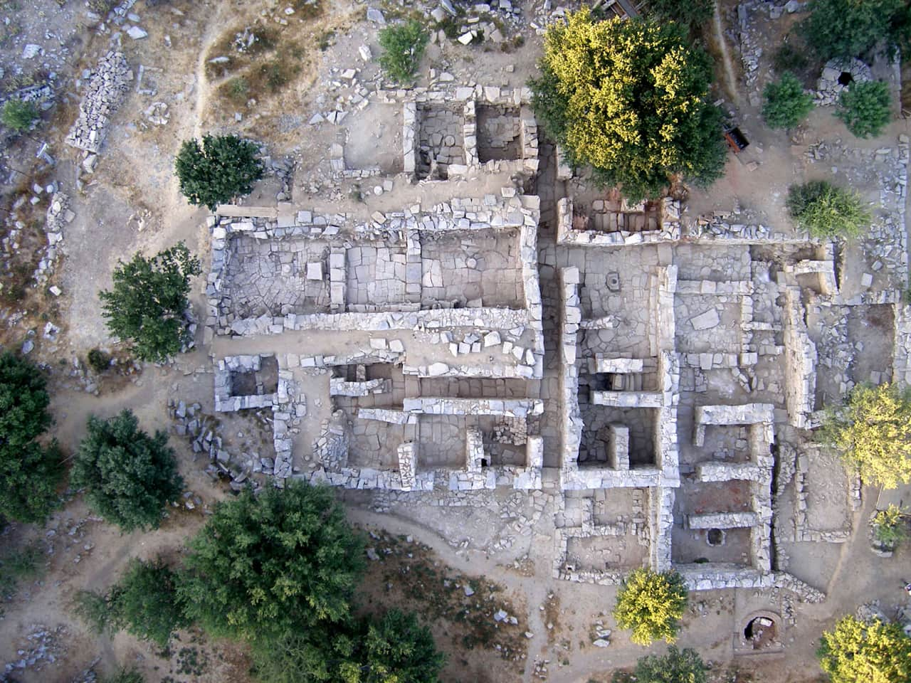 Zominthos Excavation on Crete Reveals New Minoan Finds