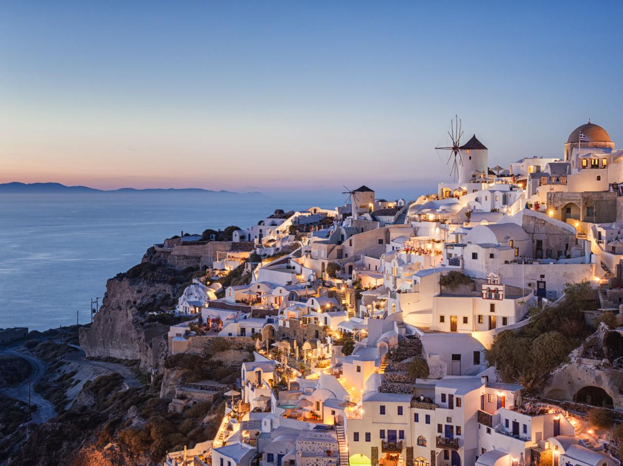 Hellenic Seaways Announces Start of Santorini, Naxos, Paros Ferry Route