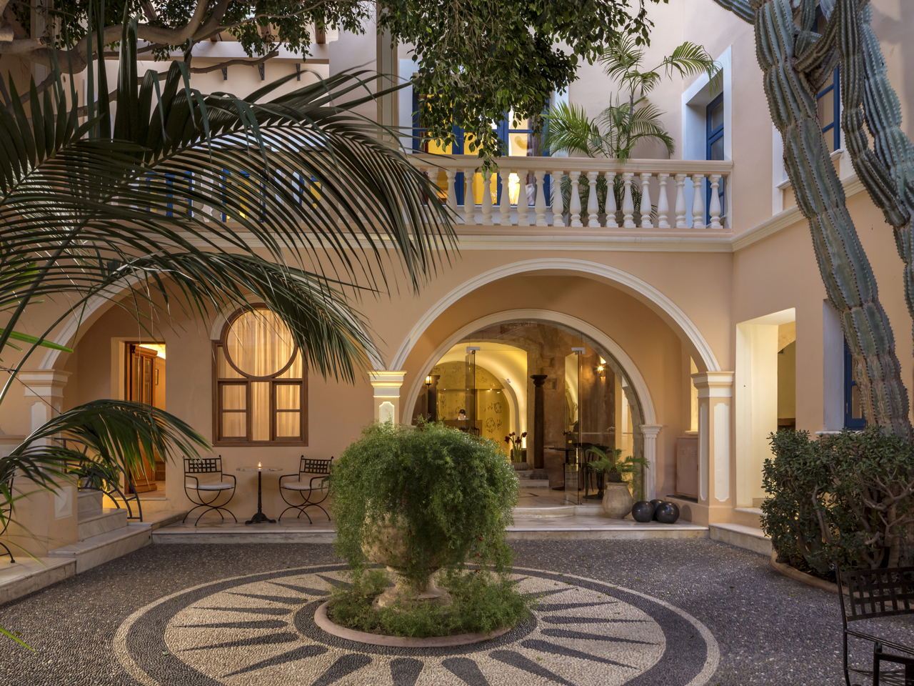 The History Of Casa Delfino Hotel - Chania Crete