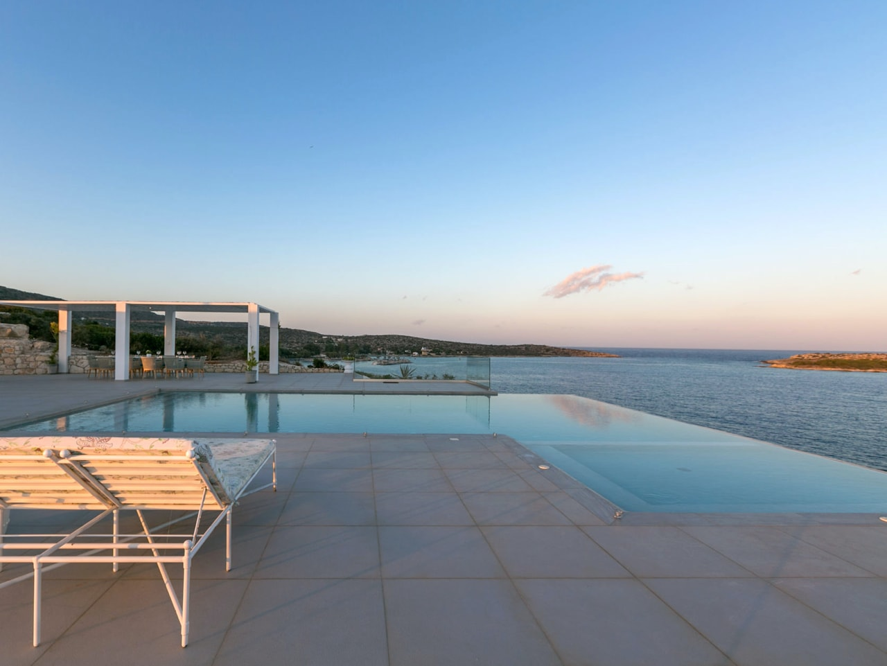 Breaking : 10% OFF in April & May For Villa Imperial, Loutraki, Chania, Crete