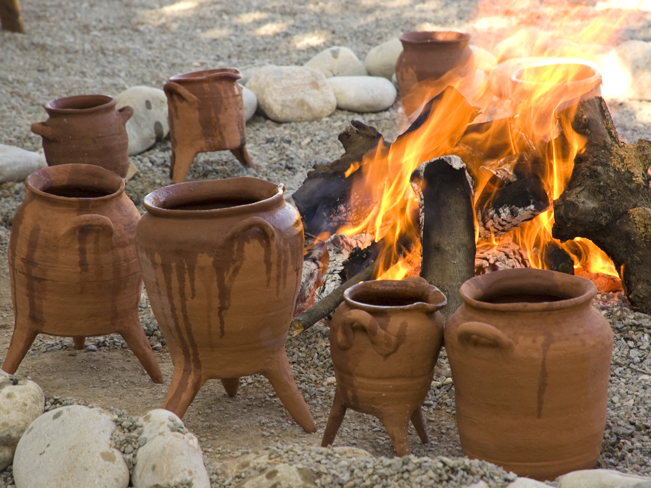 Food, History, Pots and People & Minoan In Lovely Crete