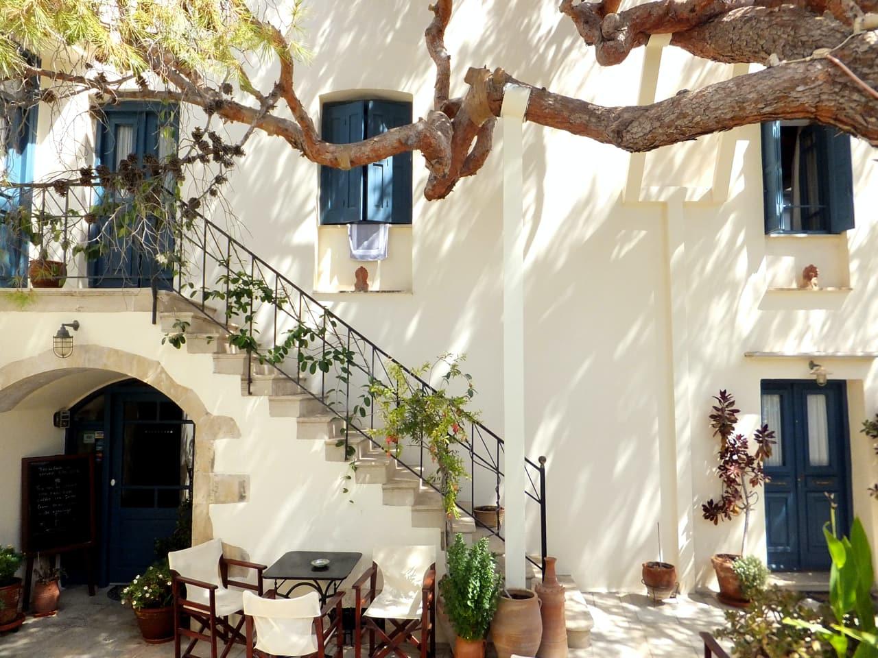 Villa Kynthia, Panormo Village, Rethimno, Crete An Old Restored Building