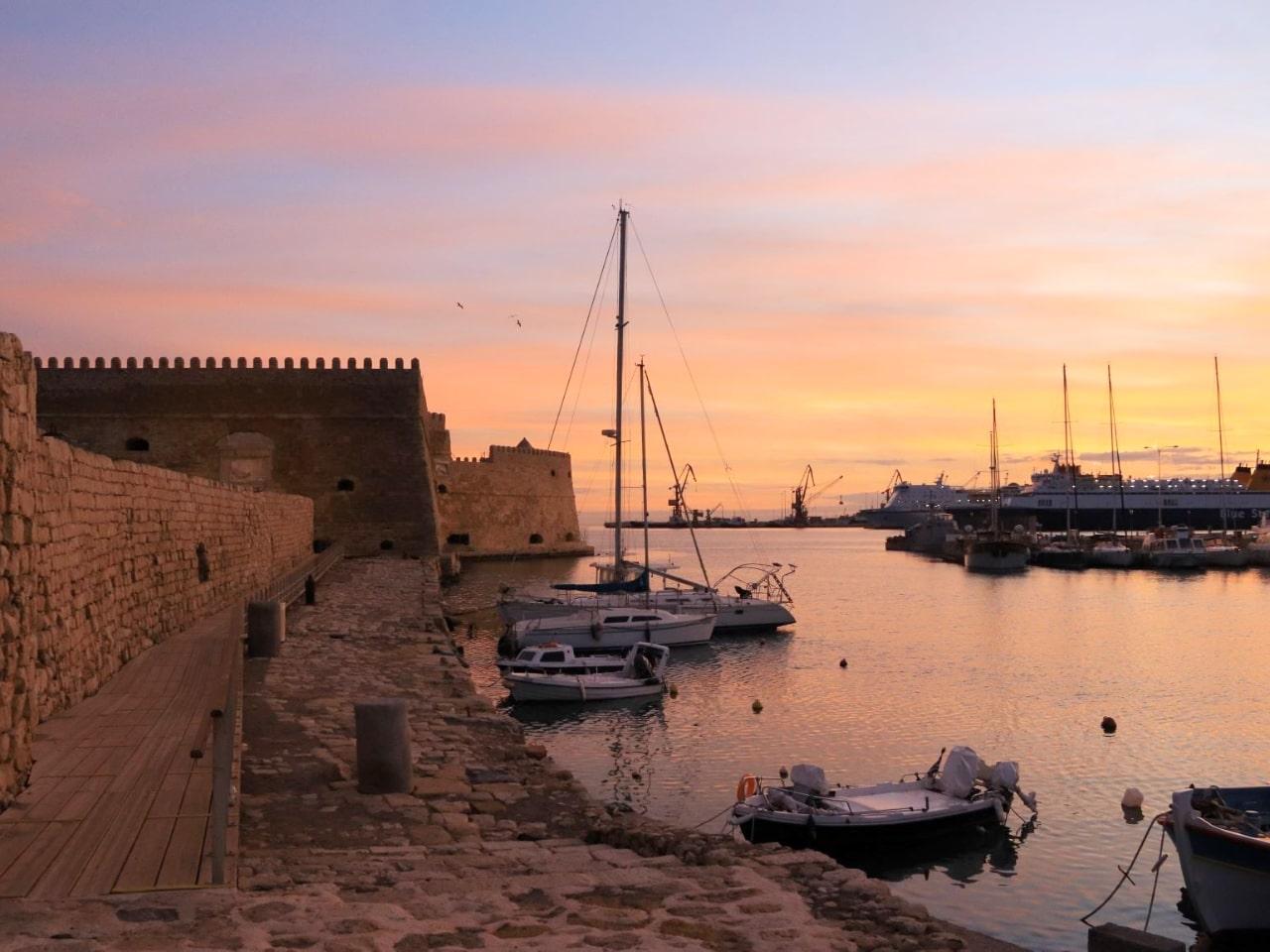 Photo_of_Day_:_Heraklion_Old_Venetian_Port_Sunrise_