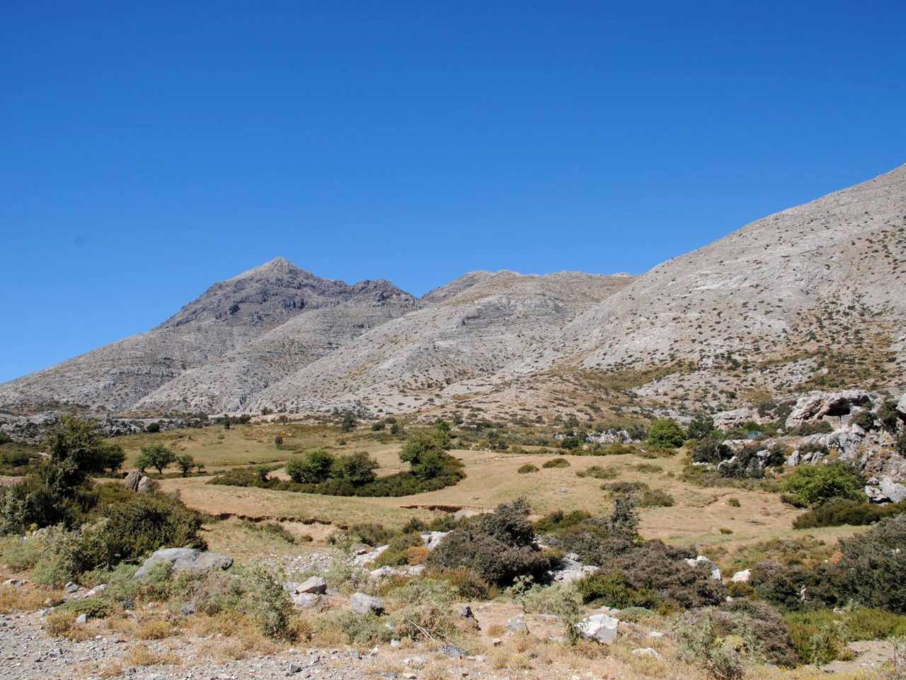The_best_3_trails_to_hike_to_Timios_Stavros,_of_Idi_or_Psiloritis_Mountain
