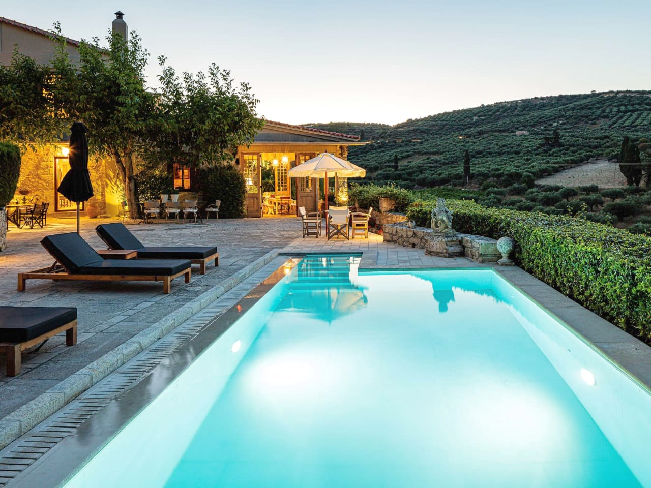 Villa Mantilari, discover the art of country living in unique Crete