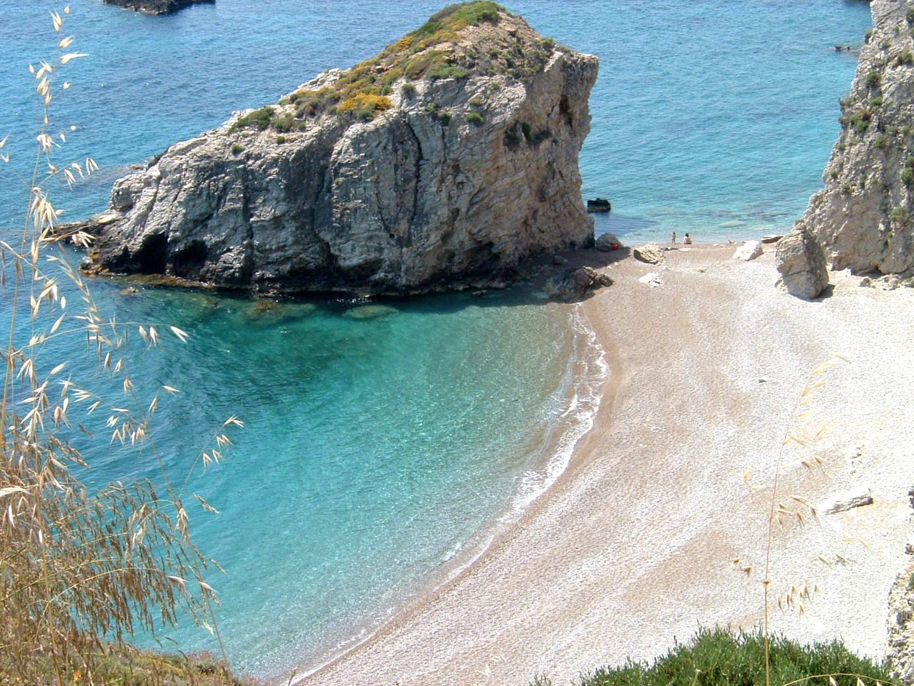 Greece Extends Travel Rules for International Flights