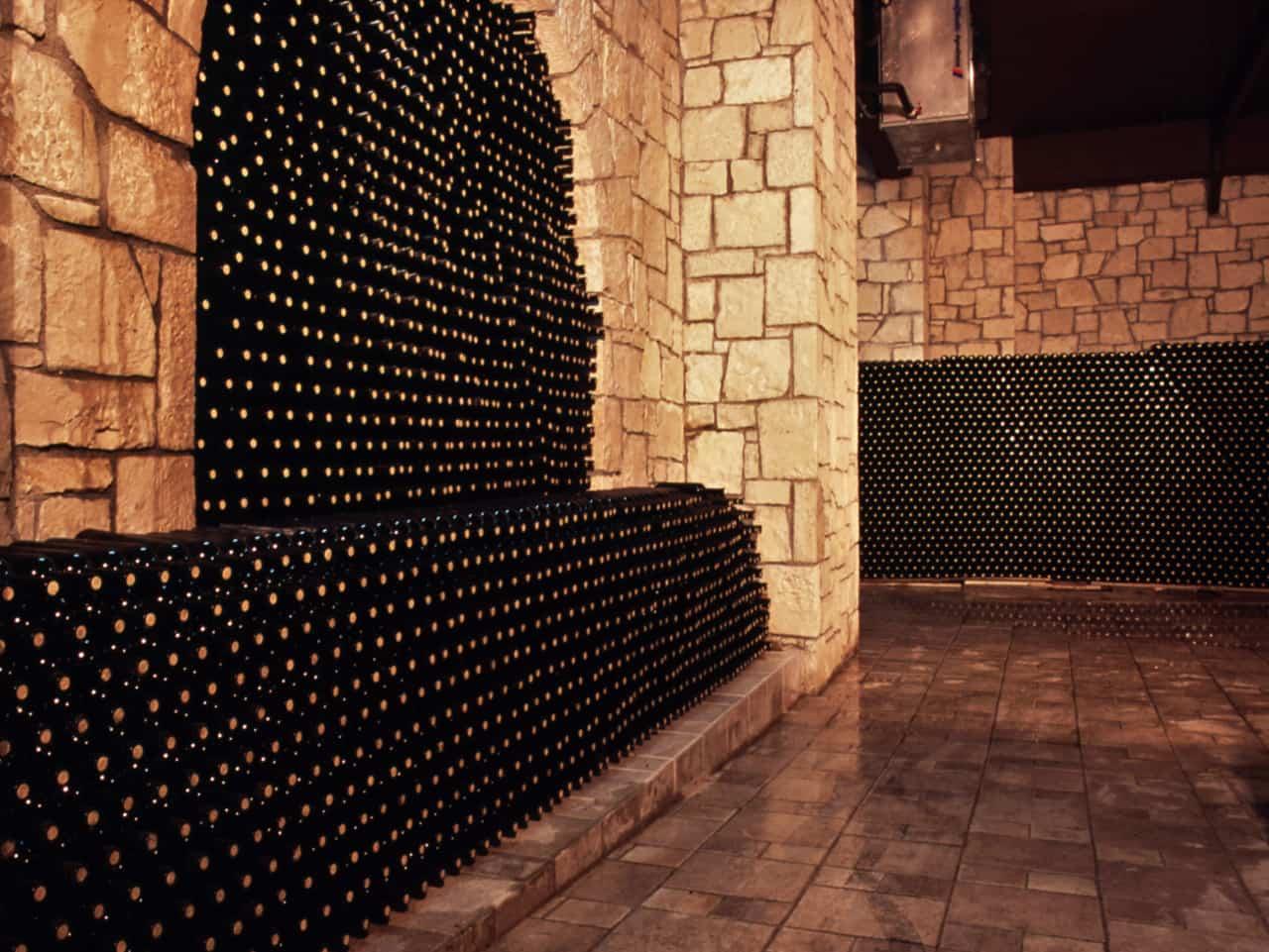 domaine paterianakis wine tasting tours, paterianakis winery lunch tours, bio wine paterianakis winery, organic wine paterianakis, melesses heraklion crete paterianakis, wine tasting tours nearby heraklion, wine tasting tours nearby knossos minoan palace