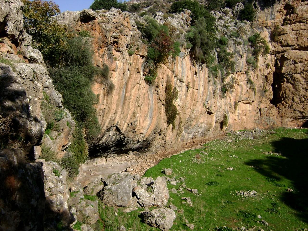 Stroumboulas Mountain Day Hiking Trip, crete hiking trekking, hiking nearby heraklion crete, best activities crete, stouboulas mountain hiking trekking