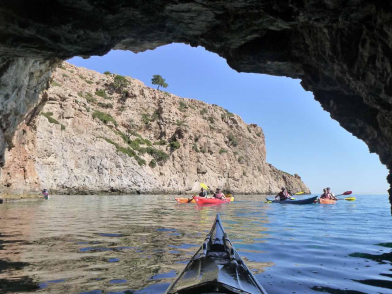 sea kayak daily trip agia pelagia lygaria, sea kayak trips crete, sea kayak best trips heraklion crete, activities heraklion crete, best activities iraklion crete