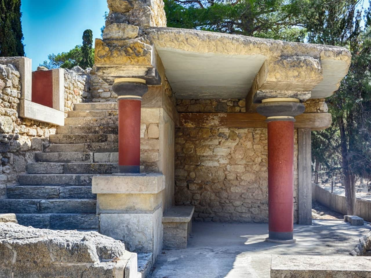 Minoan Palace Of Knossos & Archaeological Museum of Heraklion Private Tour, knossos museum iraklion tour, Archaeological Museum of Heraklion Private Tour, minoan palace of knossos best tour crete, heraklion activities, best things to do heraklion