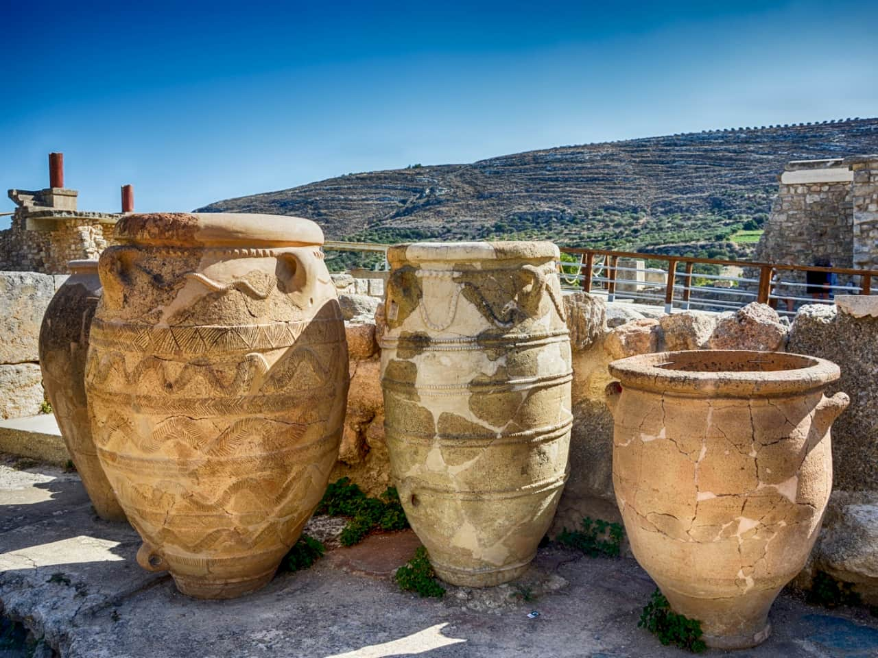 meet the minotaur, Palace of Knossos and the Archaeological Museum of Heraklion, historical tour knossos, historical tour heraklion crete, chania excursion tour to knossos and archaeological museum heraklion