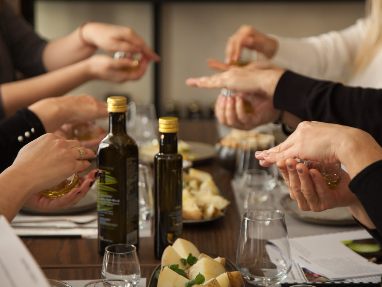 Best gastronomy experience in Heraklion Crete, Tasting The Food, Wine & Olive Oil Of Crete, cooking workshop, wine tasting iraklion crete, olive oil tasting heraklion crete, heraklion activities, irakliion things to do, cooking class with locals, cretan virgin olive oil tasting