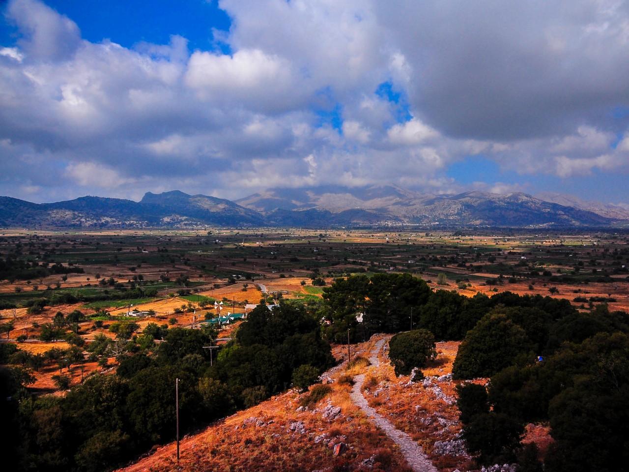 The dominant feature of Dikti is the Lasithi Plateau, oropedio lasithi, lasithi plateau crete