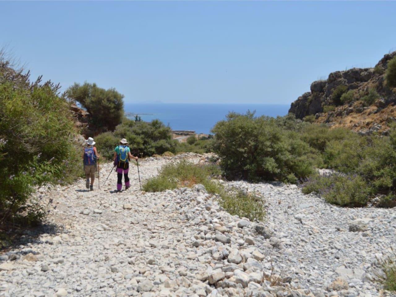 Full-Day Guided Hiking Trip Imbros Gorge, hiking trip Marmara Marble Beach, hiking trip chania crete, trekking hiking sfakia loutro, e4 european path hiking crete, activities chania crete, best activity chania crete
