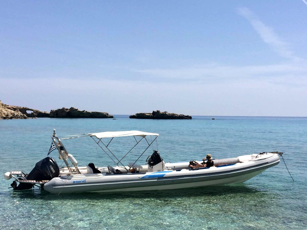 Boats used: BWA (10m/280hp) or Marvel (10m/250hp), boat trip to gavdos island