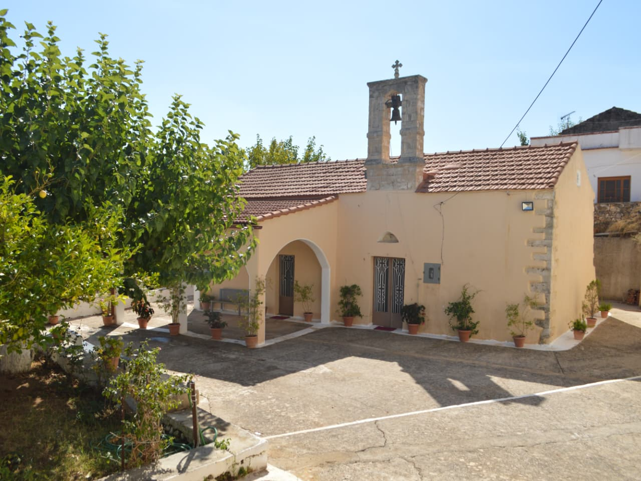 Hiking Tour In Picturesque Villages of Apokoronas, maheri village hiking tour, paidochori village hiking tour, neo chorio village hiking tour, apokoron villages best hiking tour, activities chania crete