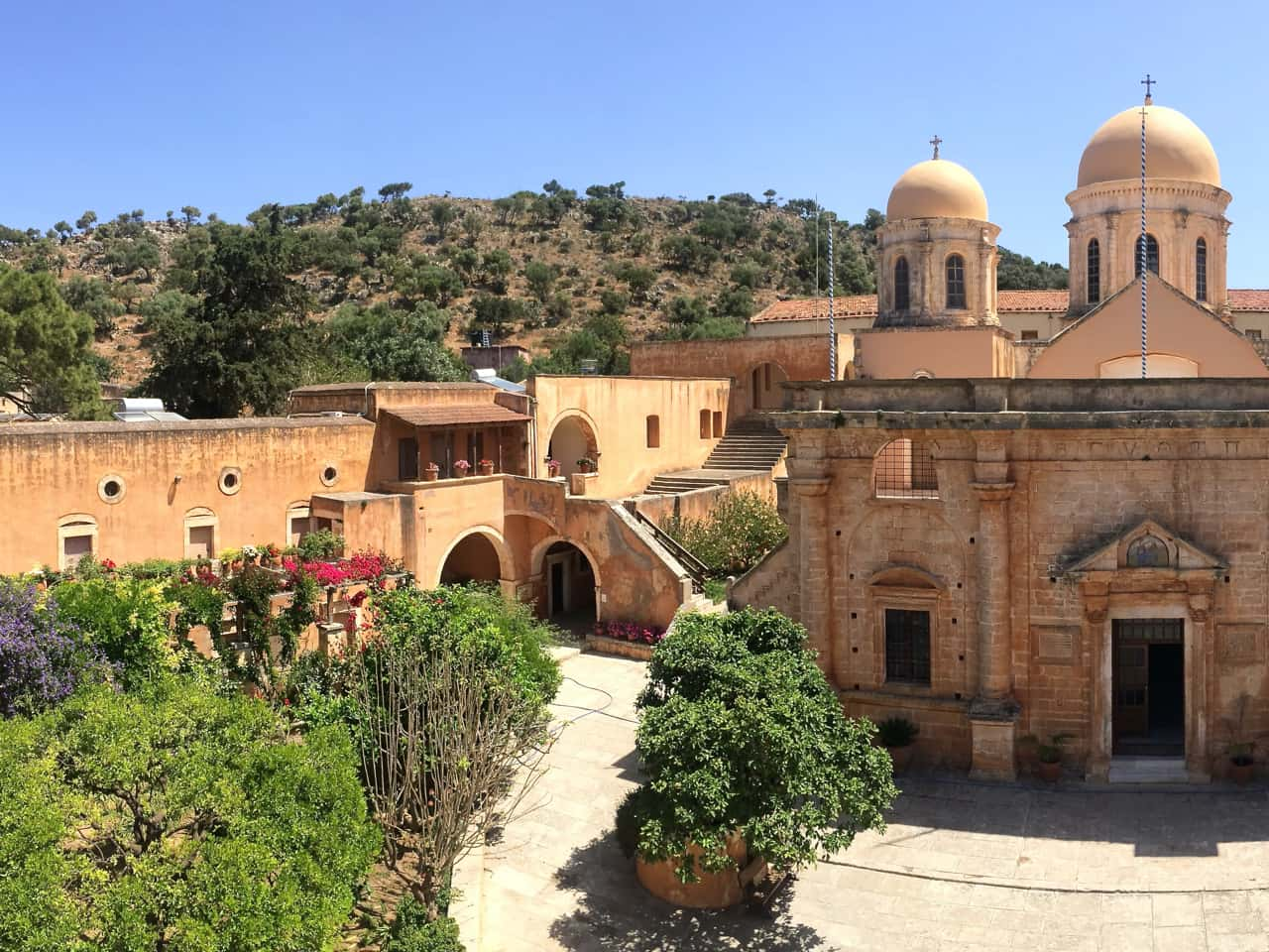 Agia Triada (Holy Trinity), or the Tsangarolon Monastery of the 17th century