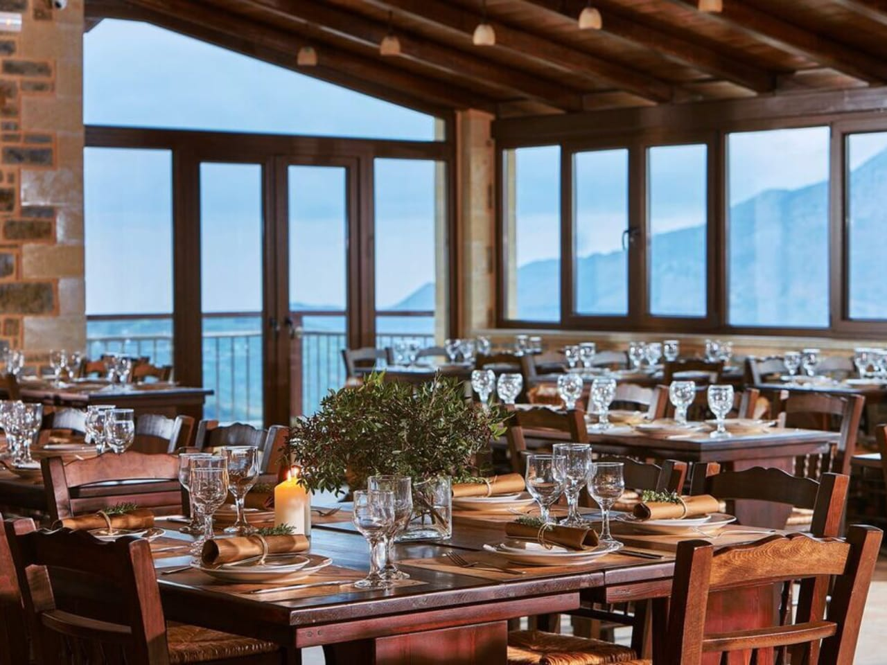Iperoon Restaurant Axos Village, yakinthos restaurant axos village, where to eat near rethimno, axos village tavern, best restaurants rethymno crete