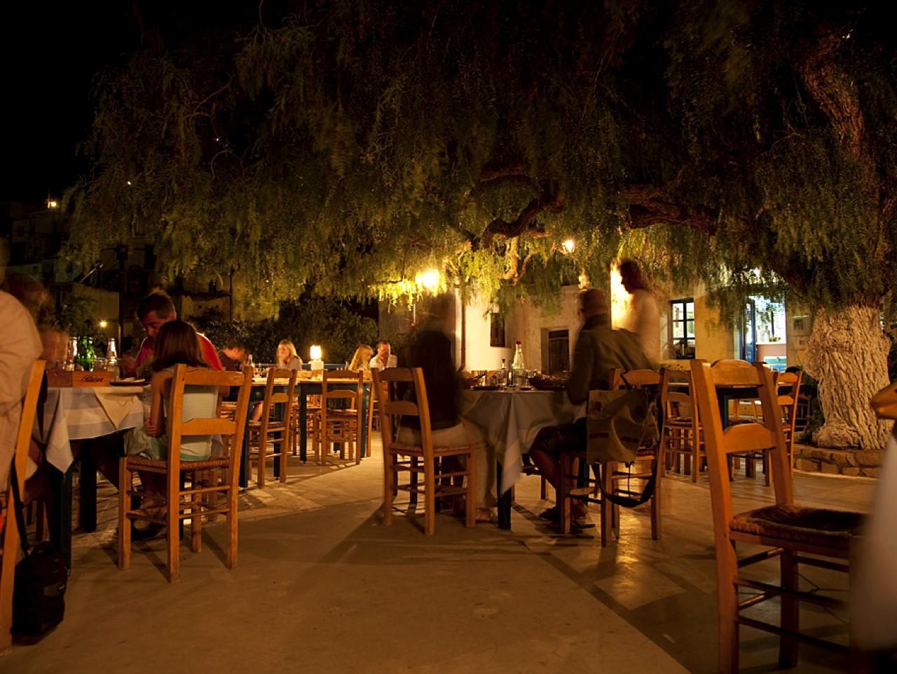 piperia tavern pefkoi village, piperia restaurant pefki village makrigialos, makriyialos eateries crete, pepper restaurant tavern crete