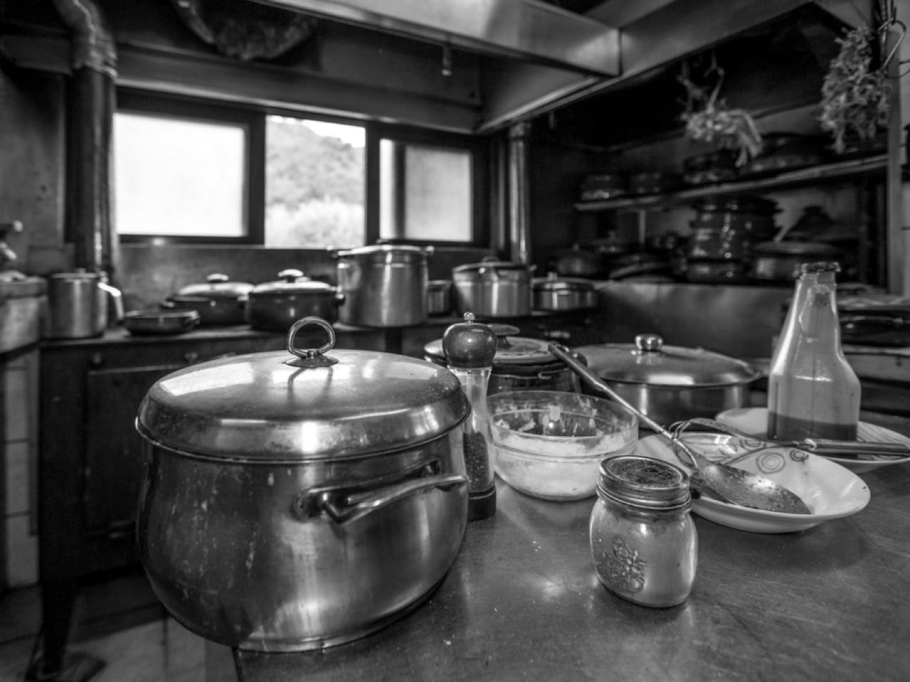 dounias taverna drakonas chania, drakonas chania dounias restaurant, dounias chania crete, best eatery chania, where to eat chania crete, best traditional food chania crete, alternative eatery chania crete