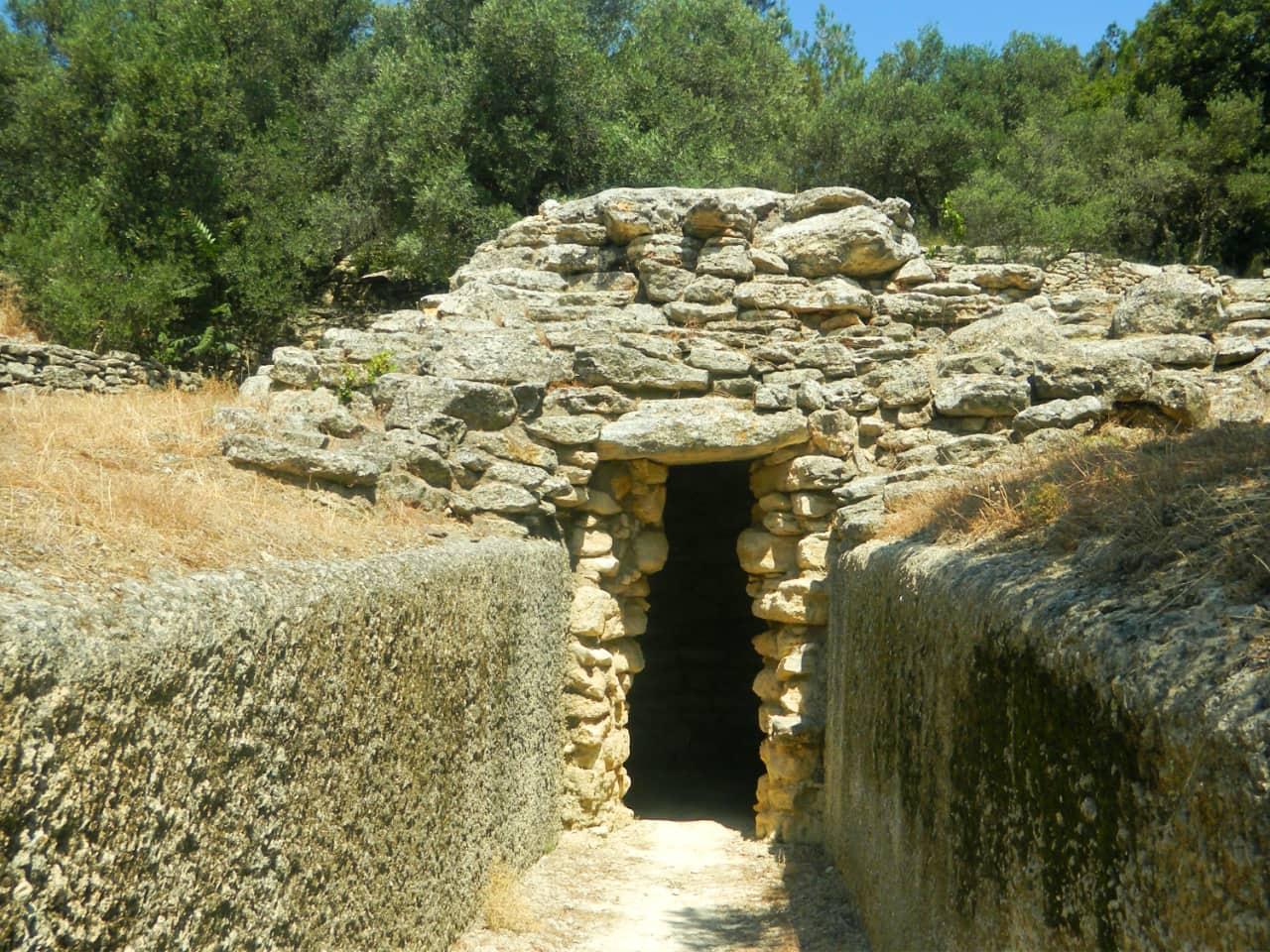 fourni archanes minoan cemetery