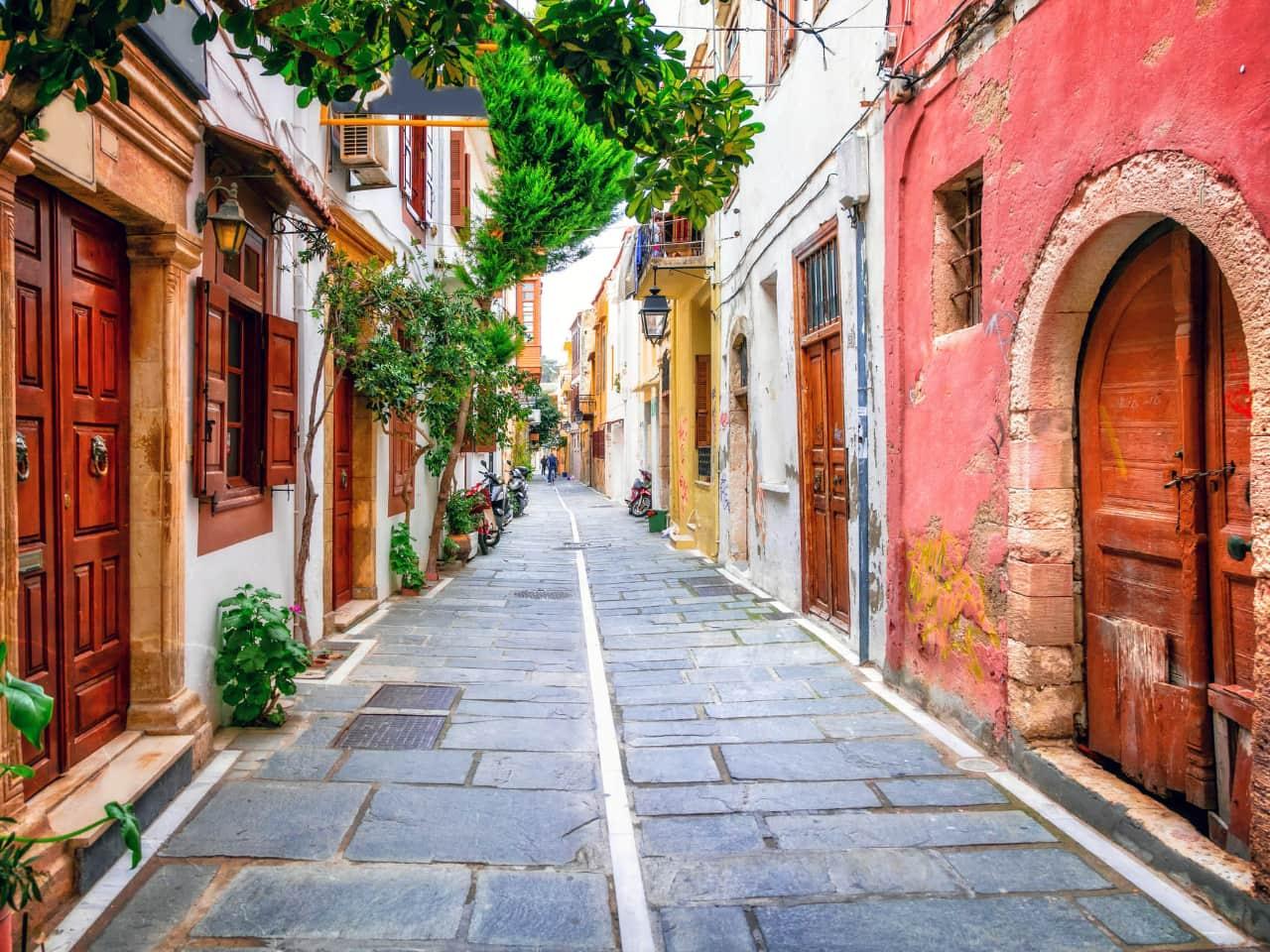 rethimno rethymno travel guide, rethimno city tour, rethimno hotels, rethymno gastronomy, rethymno activities, rethymno things to do, rethynmo venetian port, history of rethymno, museums of rethymno, churches of rethymno, what to do rethimno