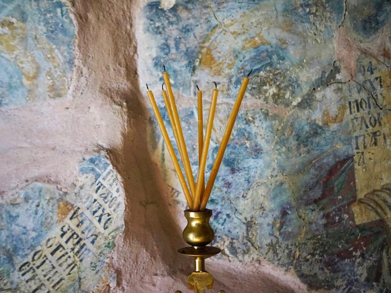 Amazing frescoes is the small church of Agia Marina - Ravdoucha