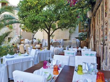CreteTravel,Central Crete, Avli Restaurant