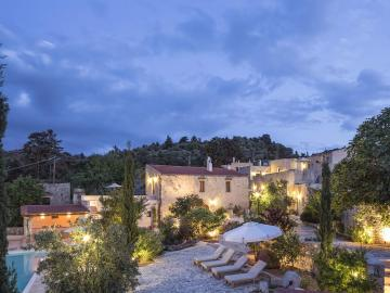 kapsaliana village hotel rethimno, kapaliana village hotel crete, traditional suites houses, Kapsaliana Village resort kapsaliana retreat rethimno, kapsaliana arkadi crete, Historic boutique hotel in Rethymno, historic hotels crete, best restaurant hotel crete, design small hotels crete