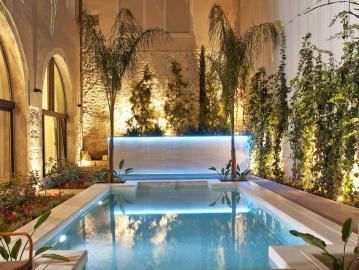 Rimondi Luxury Boutique hotel in Crete Rethymno, historic hotel rethymno crete, Rimondi Esate Rethimno, Palazzo rimondi rethymno crete, where to stay rethymno town, best hotel rethymno town, Rimondi Suites pool rethymno, best hotel rethymno, small family hotel