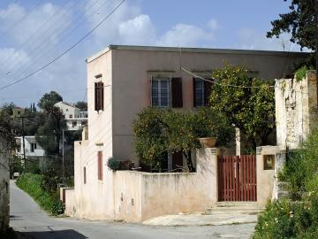 holiday residence south crete, siornicoletos house, siornikoletos house voroi village, sior nicoletos villa vori village, south crete restored house, historical house crete, 19th century traditional stone house crete, F. Halbherr and L. Pernier siornicoletos house, monument crete