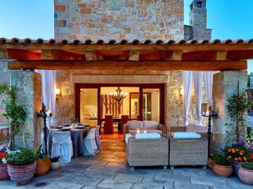 villa malvazia keramoutsi crete, villa malvasia kato kalesa crete, villa malvazia heraklion crete, family villa heraklion Crete, group of friends nearby heraklion, family villa private pool small village, big villa for families heraklion crete, cretan village villa to stay