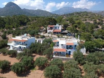 ferma hills apartments, ferma hill apartments maisonettes, small hospitable hotel, east crete, koutsounari studios, prvate beach hotel, ferma hill studios, sea view desigh hotel, ferma small family hotel koutsounari, firma hill studios, ferma hill rooms hotel