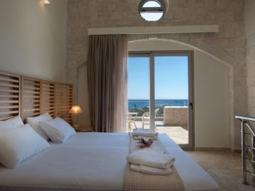 aphrodite Suite libyan mare hotel suites, paleochora hotels, sea view hotel with pool, libian mare hotel paleochora, south chania small hotel sea view, south chania small hotel pool, where to stay paleochora, apartments paleochora
