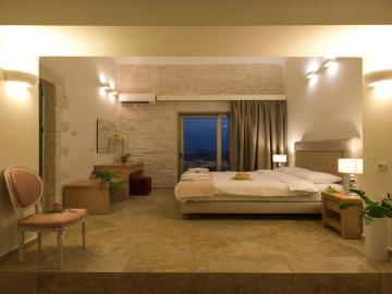 bedroom libyan mare hotel suites, Erato Master Suite, paleochora hotels, sea view hotel with pool
