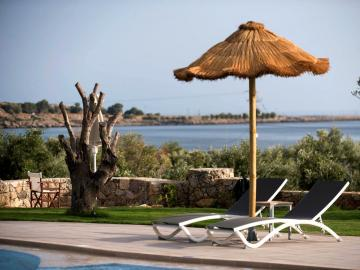 libyan mare hotel suites, paleochora hotels, sea view hotel with pool, libian mare hotel paleochora, south chania small hotel sea view, south chania small hotel pool, where to stay paleochora, apartments paleochora