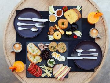 breakfast, mountain views, monastery estate guesthouse, monastery retreat hotel, moni village hotel with apartments, Deluxe apartment with private yard and hot tub, sougia village best place to stay, where to stay sougia village, monasteri estate hotel sougia