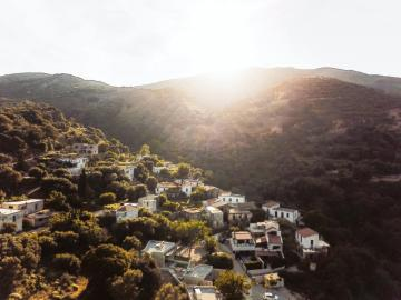 moni village, mountain views, monastery estate guesthouse, monastery retreat hotel, moni village hotel with apartments, Deluxe apartment with private yard and hot tub, sougia village best place to stay, where to stay sougia village, monasteri estate hotel sougia