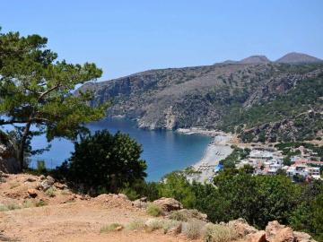 sougia village, monastery estate guesthouse, monastery retreat hotel, moni village hotel with apartments, Deluxe apartment with private yard and hot tub, sougia village best place to stay, where to stay sougia village, monasteri estate hotel sougia