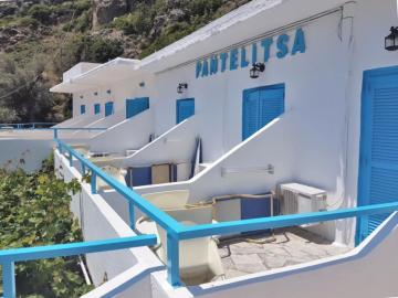 sea view balcony Pantelitsa rooms loutro village, pantelitsa studios, pantelitsa hotel, pantelitsa rooms lutro, where to stay loutro, small family hotel, loutro village, quiet hotel loutro, best small hotel loutro, apartments studio rooms loutro village sfakia, south chania crete