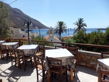 stratis taverna Pantelitsa rooms loutro village, pantelitsa studios, pantelitsa hotel, pantelitsa rooms lutro, where to stay loutro, small family hotel, loutro village, quiet hotel loutro, best small hotel loutro, apartments studio rooms loutro village sfakia, south chania crete