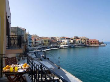 sea view balcony room, Belmondo Hotel, excellent location, harbour views, rooms and building character and history chania, Chania old port hotel, sea view hotel chania old town, belmonto hotel, belmodo hotel chania, chania travel guide, activities chania