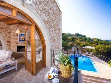 Villa Elia, living room balcony with wide views