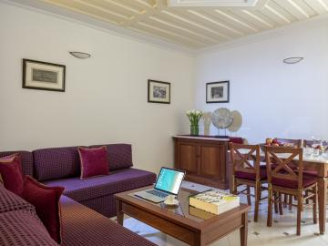honeymoon suite, honeymooners, casa delfino hotel chania crete, boutique hotel chania