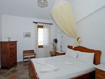 villa elanthi, elia traditional hotel chania crete, ano vouves elia inn, kolimvari elia hotel spa