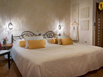 Double Room Ground Floor, Ionas Boutique Hotel chania, Ionas Historic Hotel chania crete, Small hotel chania old town