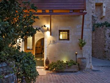 CreteTravel,West Crete,Ionas Boutique Hotel