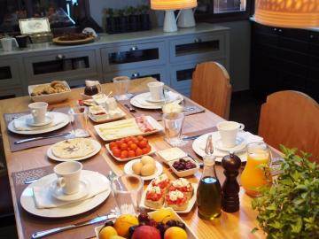 breakfast mama nena charming hotel chania, mamanena boutique hotel chania crete, mama nena design hotel, family small hotel chania, old venetian port views hotel, suites chania crete, double room sea view chania, bed and breakfast hotel chania crete, best small hotel chania